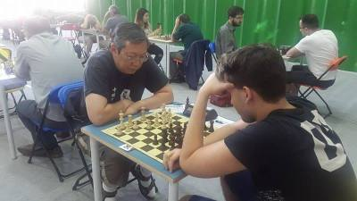 Yip(left) thinking hard against Fodor,B(right)